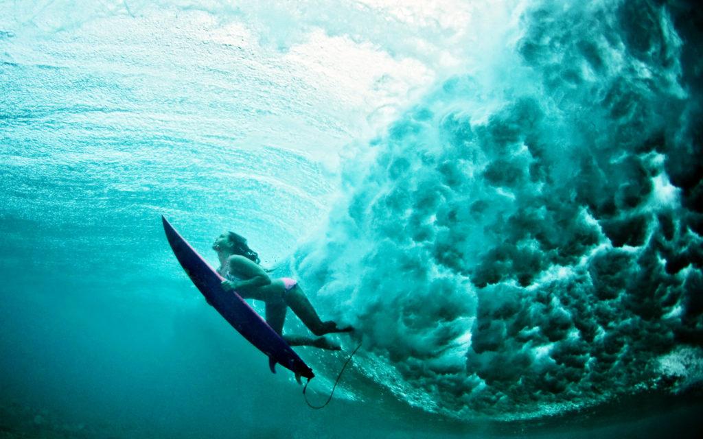 underwater-surf-girl-2560x1600