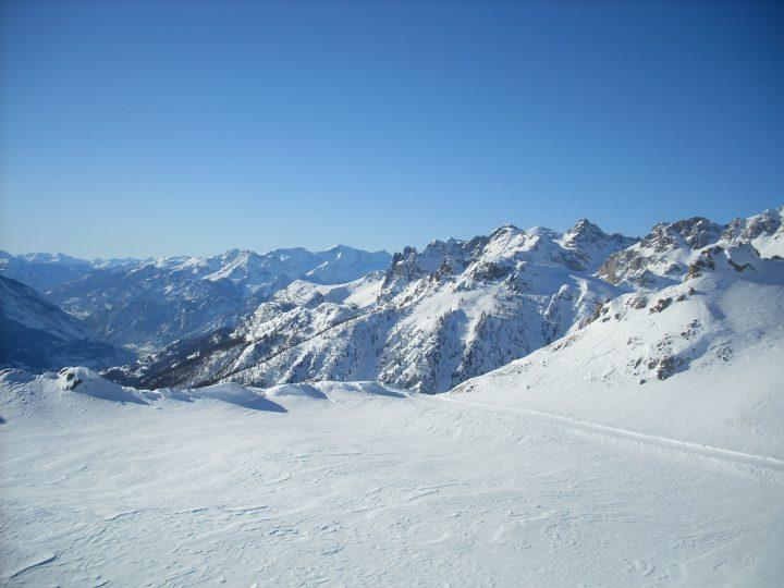 Waking up in Serre Chevalier - First snowboard trip