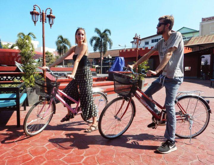 Met de fiets door Vientiane